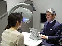 視力測定を行います